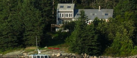 Starlight on the Beach Vacation Rental Home on VInalhaven Island Sleeps: 8-10 Price: Peak: $3,000/week Early June/September: $2,500/week Other times: Please inquire Cleaning Fee: No Wi-Fi: Highspeed Internet TV: Cable Amenities: washer/dryer, dishwasher, gas grill, teak deck furniture and Adirondack chairs, telephone, microwave, toaster, coffee grinder, Kitchen Aid, Cuisinart,  CD sound system with iPod connection Pets: Allowed for an additional $100 per pet